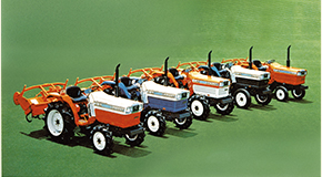 『クボタ』の『トラクター』のオイル量とバッテリー一覧表①