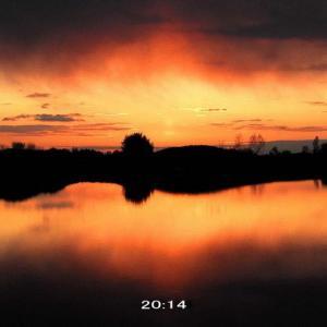 5月なのに寒さが戻った日の夕焼け