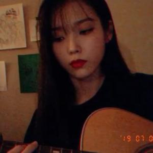 IUインスタグラムでEXO D.Oの「That's okay」を披露 韓国人のコメントは?