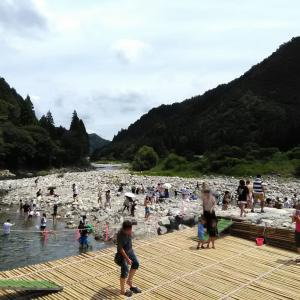 板取川 洞戸観光ヤナで川遊び