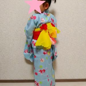手持ち花火と5歳児の浴衣