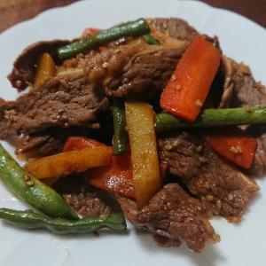 牛カルビと野菜炒め