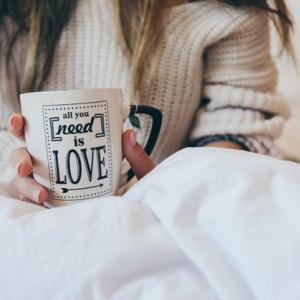 コーヒーを飲みながら在宅勤務 〜休憩中に心に刺さった歌〜