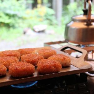 最高のキャンプ飯はMMfactoryの極厚鉄板でシンプルに焼く。