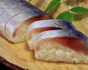 青魚のEPAが痩せるホルモンを分泌・食べすぎを防ぐ