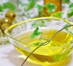 油の摂取量を減らすには・太りやすい油と太りにくい油