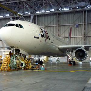 2010.01 JAL整備工場 JAL A300-600R JA8565