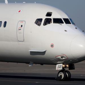 2010.12 羽田AP 34L右 JAL MD-90-30 JA8020D タクシー