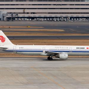 2011.02 羽田AP インタミ AIR CHINA A321-200 B-6327