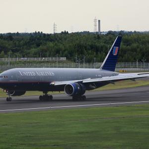 2011.08 成田AP ナリコー United Airlines B72 N793UA RWY16L ARV