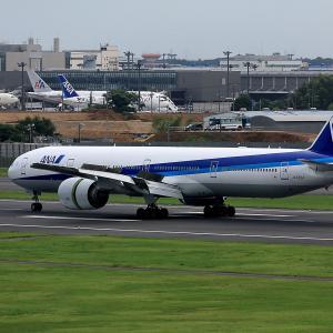 2011.08 成田AP ナリコー ANA B73 JA783A RWY16L ARV