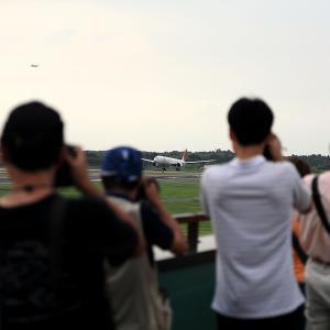2011.08 成田AP ナリコー JAL B73 JA743J RWY16L ARV