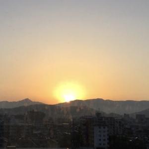 午前5時半朝日が昇る