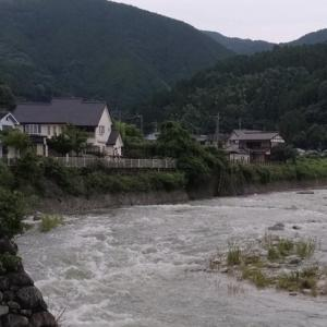 ダム放流で河川増水
