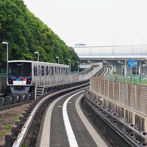 横浜散歩 京急とシーサイドラインに乗車