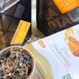 *Tea Column* 「インド・ダージリン茶葉の紹介と、茶葉が彩る商品たち」
