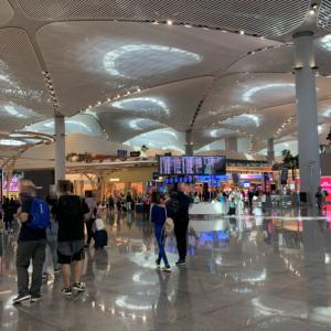 イスタンブール空港完全ガイド〜入出国方法から設備までご紹介します。