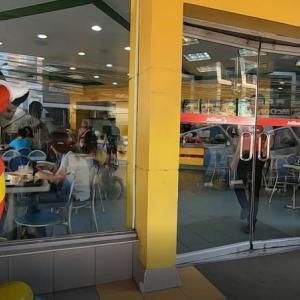 ☆★GWのフィリピン・ダバオ旅行2019・・・2日目 その4 初めてのJollibeeとロハス・ナイトマーケット