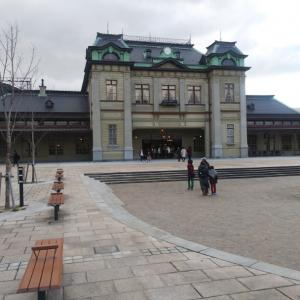 昼食の後は門司港駅。