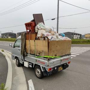 軽トラックの荷台の家財を処分したら、次の日の車の
