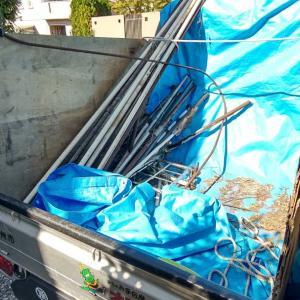 今日は金属類のゴミの入った軽トラックは自宅に