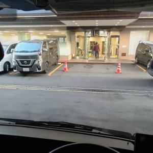 ホテルの立体駐車場に軽トラックを入れたら、