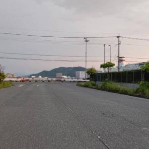 フェリーターミナルから大阪へ出港間近のフェリーを