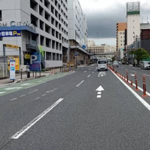再び黒崎駅前を通り、空荷の軽トラックで、午後の
