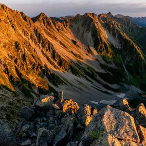 前穂高岳山頂からの朝焼け 前編
