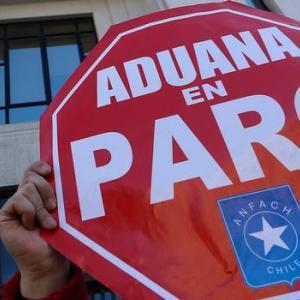 今度は税関職員がストライキ / チリ