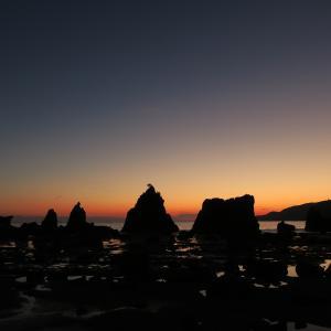 南紀串本・橋杭岩の冬の朝日