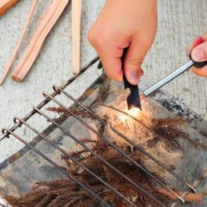 【焚き火アイテム】面倒な麻紐をほぐす作業は猫におまかせ