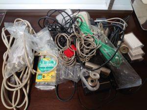 お盆前の不用品処分、使ってないケーブルがたくさん出てきた(>_