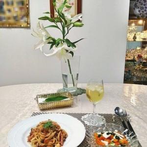 トマトクリームパスタ & カブと柿のサラダ