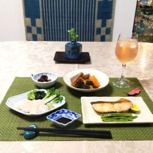 秋生鮭のムニエル・昆布の秋煮物
