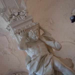 ベルヴェデーレ宮殿内 いよいよクリムトです ウィーン2019-39