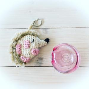 手編みハリネズミのキーホルダー