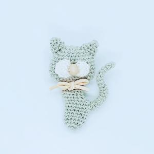 手編みキャットブローチ