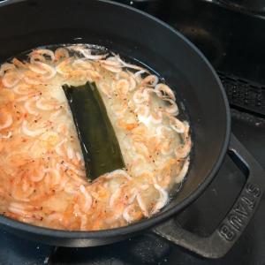 ストウブで桜エビとそら豆の炊き込みご飯とコストコの塩サバ☆