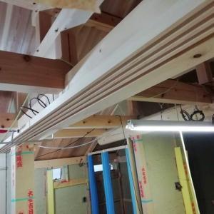 大工工事 ~ 再開2週目 : 棟梁が直に手間暇かける工務店直営の家づくり