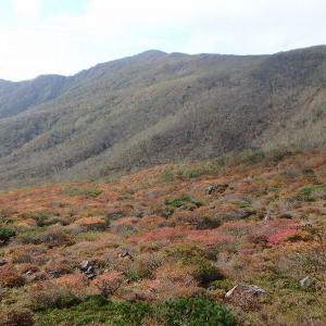 紅葉の那須で登山研修 沼原から姥ヶ平・茶臼岳・朝日岳・隠居倉周回 その1