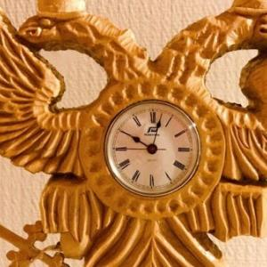 夫作 双頭の鷲の置き時計