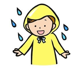 すごい! 雨の中カッパで携帯をやるおばさん