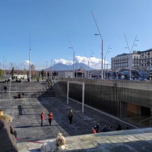 駅前広場としてはヨーロッパでもダントツの広さ!リニューアルしたガリバルディ広場