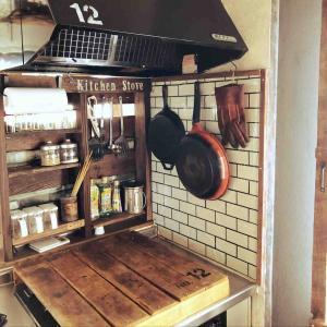 長男の応援に行けず、キッチンコンロの棚を増やす!