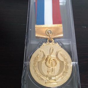 体験レッスン申し込みありがとうございます♪記念のメダル作りました♪生徒募集中♪
