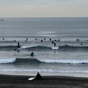 ポイント選んでサーフィン楽しめます。波情報 湘南鵠沼 10/20