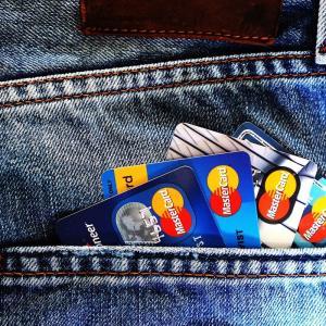 個人的におすすめのクレジットカードを紹介する