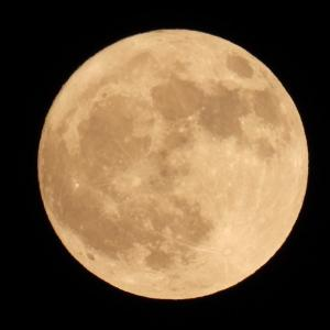満月と流れ星