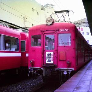 おそらく1981年のハーフカメラゴミ写真 名鉄電車たくさん
